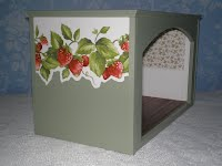 Strawberry Roombox ($130)